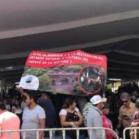 Entregan en manos a AMLO petición de parar obra del Puente de la Historia de San Juan del Río