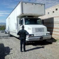 En San Juan del Río Detienen a 3 sujetos en La Valla con camión robado