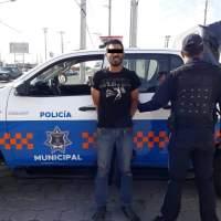 Los detienen mientras robaban dentro de una casa en San Juan del Río.