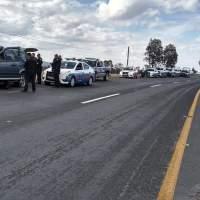 Roban tienda en San Juan del Río y se registra persecución hasta que chocan y son detenidos.