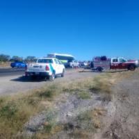 Se Incendia Remolque cargado de pacas en Autopista Querétaro - México altura San Juan del Río.
