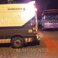 Mujer sufre Desmayo en camión escolar en San Juan del Río